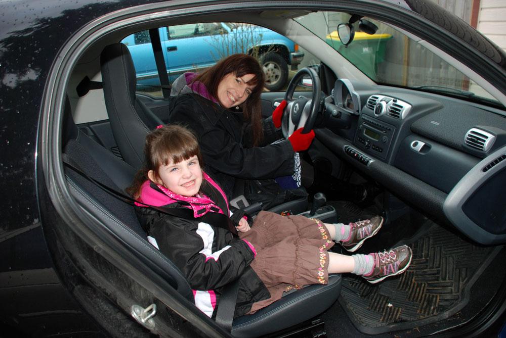 AA Hollie-Lauren-Smart-car